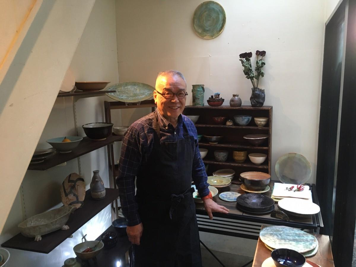 「ふくだふみお陶器市」の福田富美雄さん(燕工房)