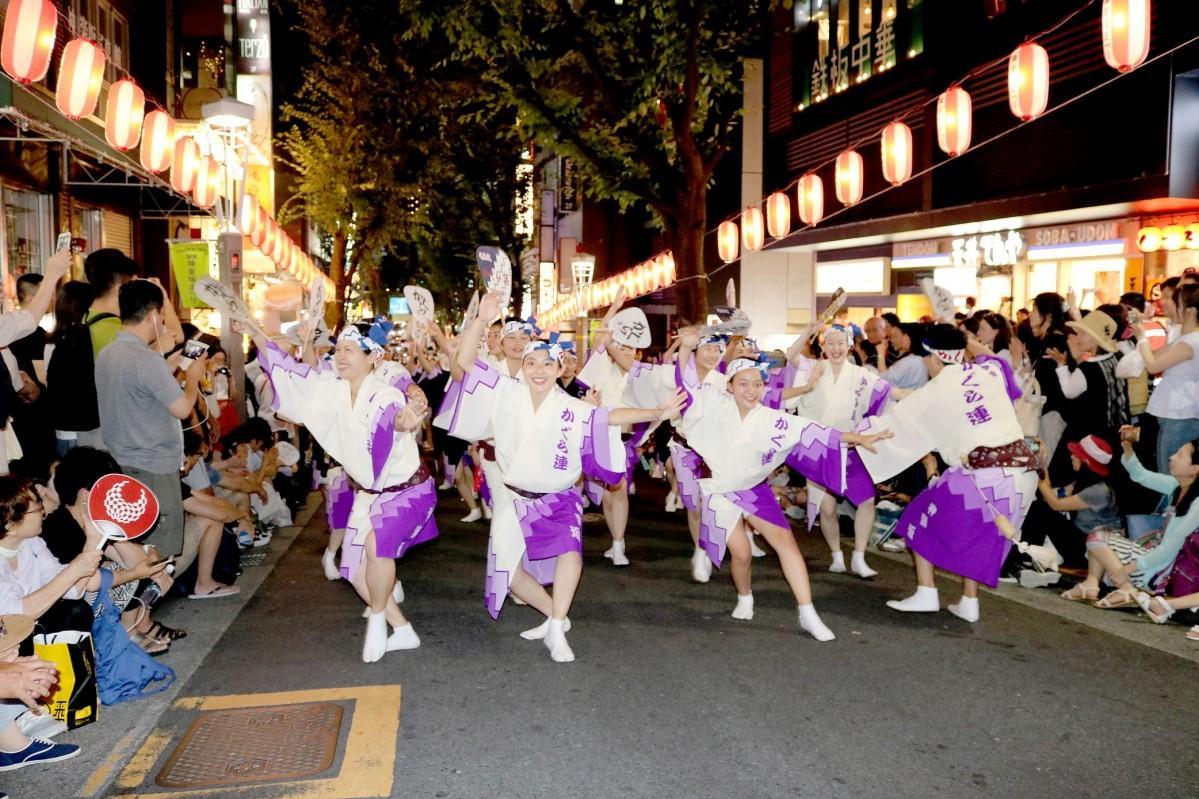 過去の「神楽坂まつり 阿波踊り」開催の様子