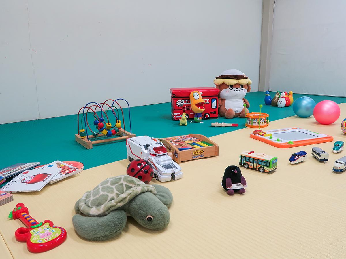 柔道場×一時預かり託児所 たくさん玩具をそろえている