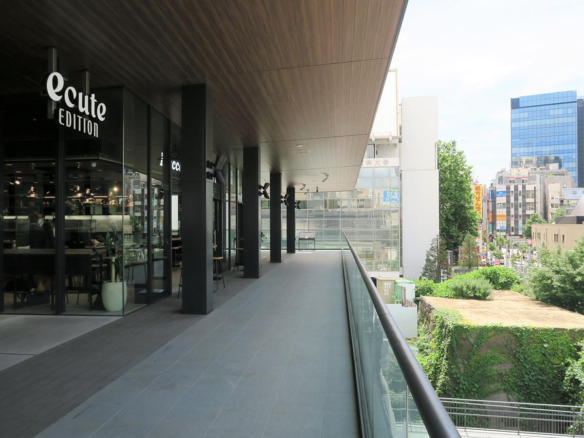 2つの飲食店と併せて公開された史跡展望テラス