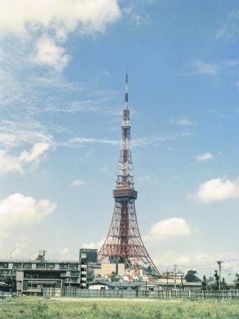 東京タワーの歴史を振り返る「東京タワー・クロニクル」で展示される写真