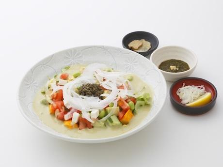 「夏野菜とまろやかアボカドクリームの冷製うどん」(秋田稲庭うどん 眞壁屋、1,480円)