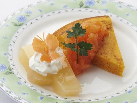 「ふかうら雪人参のケーキ~青森リンゴ入り自家製ジャムを添えて~」