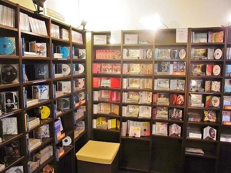 ビルの3階にオープンした「インディーズCD専門店」店内