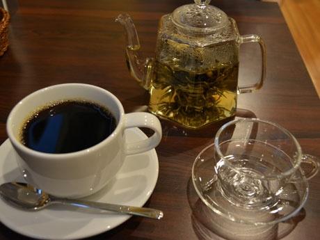 「ブレンド」(230円)と「花茶」(380円)