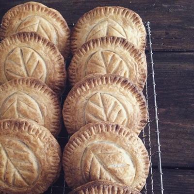 下井草のベーカリー「Blanc chien(ブランシャン)」のりんごのパイ