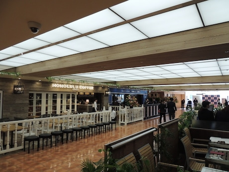 「カフェ&ダイニング」フロアの11階