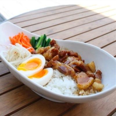 「魯肉飯(ルーローハン)」(700円)