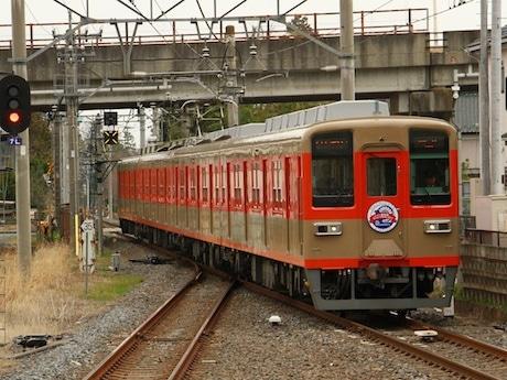 臨時列車に使う8000系
