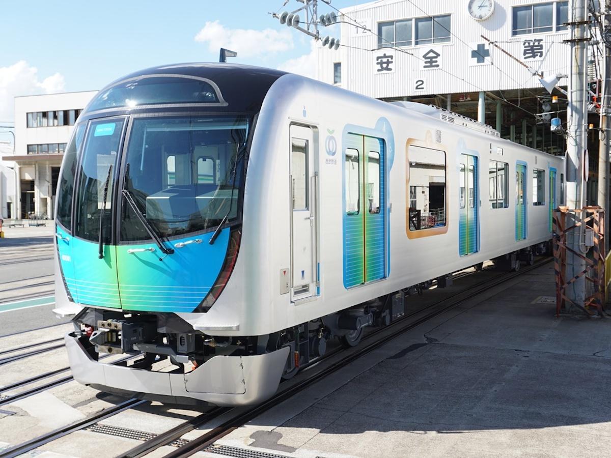 西武鉄道通勤車両「40000系」を使った「S-TRAIN」