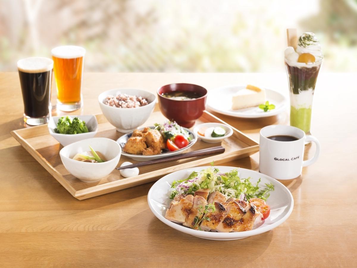 スペシャリティコーヒー、スイーツ、「季節の一汁三菜ランチ」、クラフトビールなど提供