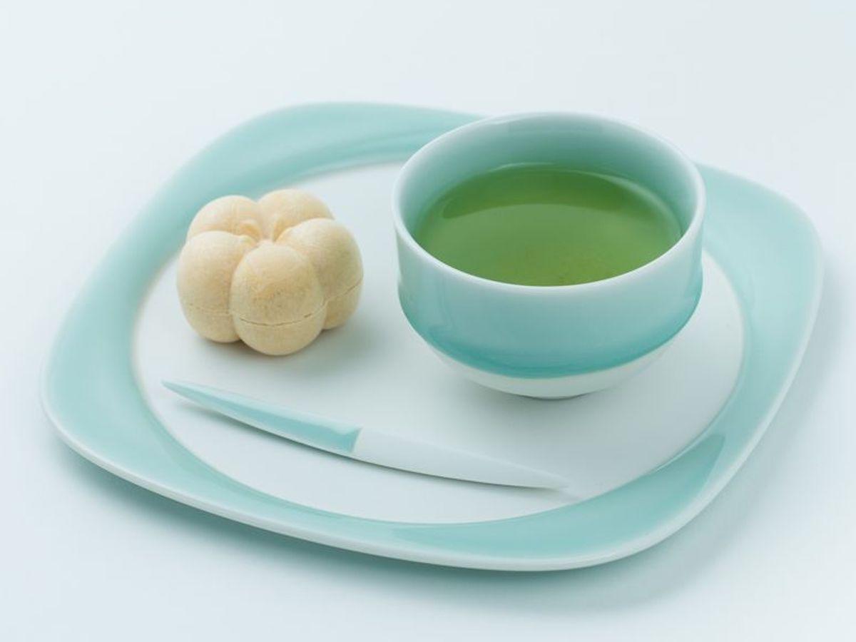 「虎仙窯」の「鍋島青磁煎茶椀」「菓子盆」「菓子切」
