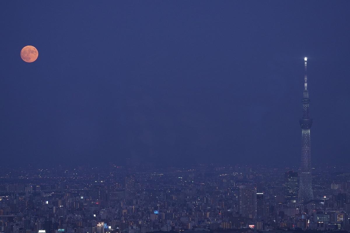 展望台から撮影した中秋の名月(2020年)