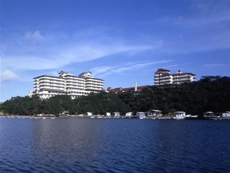 英虞湾から望む「志摩観光ホテル」