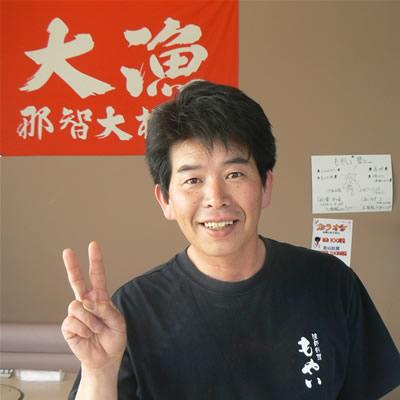 4月から三重県立水産高校海洋科に入学する、現役漁師と宿泊も可能な飲食店「漁師宿もやい」オーナー石神昭年さん。