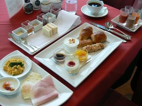 「ラ・コート・ドール」オーナーシェフ・故ベルナール・ロワゾー氏の贈り物。「世界一の朝食」と賞賛されたメニューがプライムリゾート賢島で