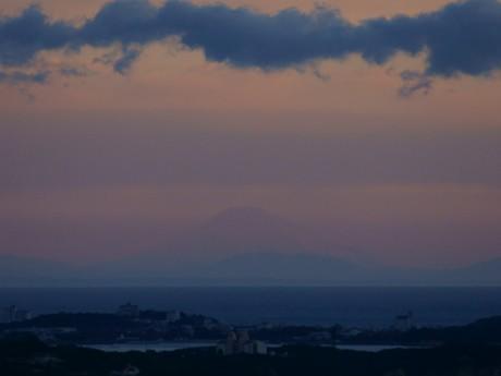 今年の伊勢志摩からの富士山初観測は2日、横山展望台から