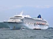 日本最大のクルーズ船「飛鳥II」鳥羽に入港-伊勢神宮参拝などツアーも