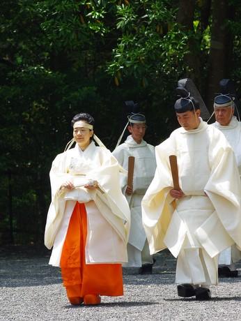 伊勢神宮臨時祭主・黒田清子さん、初の祭典奉仕-神様の衣替え「神御衣祭」