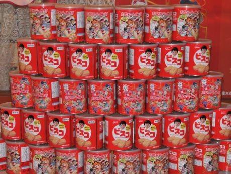 「ビスコ保存缶」志摩スペイン村とコラボ、災害時保存食と土産兼ね人気に