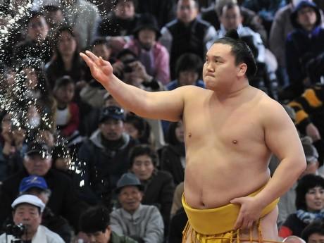 春の伊勢に「威勢」運ぶ-「神宮奉納大相撲」優勝は白鵬