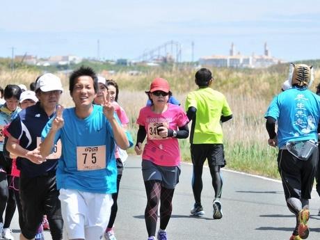 マラソン大会「志摩ロードパーティ」、的矢湾と太平洋を一望するコース走る