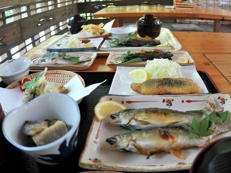 奥伊勢・アユ料理専門店「清流茶屋」、10周年でアユの塩焼き1匹サービス