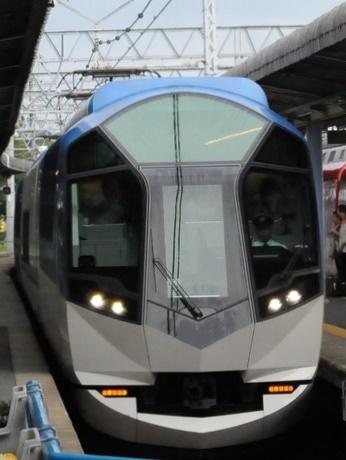 近鉄の新型観光特急「しまかぜ」10月運行開始の京都便特急券、2分で完売