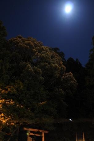 伊勢神宮別宮「月読宮」で神様のお引越し-十三夜の月の明かり美しく