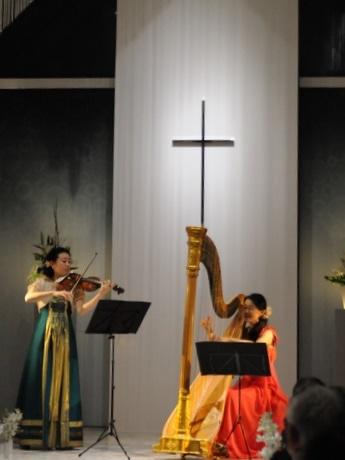 伊勢出身ハーピストでソプラノ歌手、鳥羽国際ホテルでクリスマスコンサート