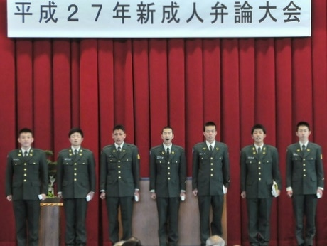 陸上自衛隊明野駐屯地・航空学校で一足早い成人式-自衛官としての決意新たに恒例の弁論大会