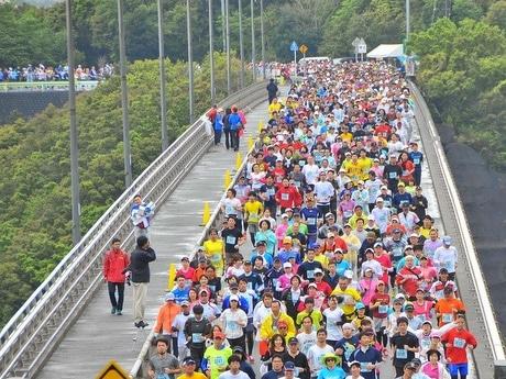 「志摩ロードパーティ」ハーフマラソンなどに参加者7294人