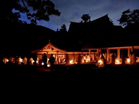 伊勢神宮で新穀に感謝する祭典「神嘗祭」 満月の夜、65年ぶり