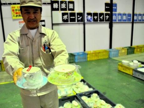 志摩市のナルミ直営工場で5時間限りのセール 直営店店長も二度見する値段