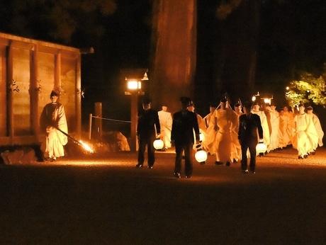 伊勢神宮で「月次祭」 五穀豊穣からなる平和の祈り、冬空の下執り行われる