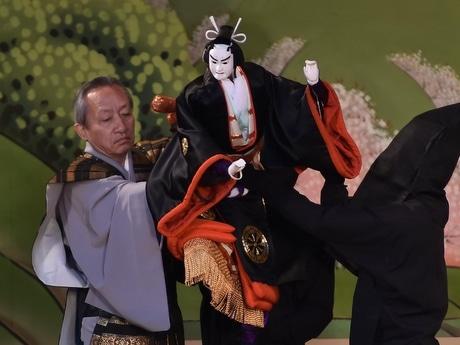 伊勢神宮外宮特設舞台で「にっぽん文楽」上演 史上初の「バリアフリー文楽」