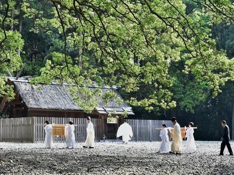 天照大御神の絹と麻の衣を織る伊勢神宮の2つの神社 「神御衣奉織始祭」