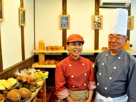志摩観光ホテルで46年間パンを焼き続けた藤田幸男さん、夢のパン店開業