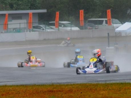伊勢出身の三宅淳詞選手、雨の全日本カート選手権鈴鹿で惜しくも2位