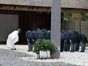 安倍首相、伊勢神宮参拝 記者会見で防衛力強化言及、警備に984人動員