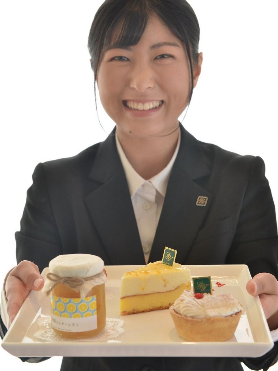 伊勢の洋菓子店で三重産「マイヤーレモン」ケーキ 皇学館大学生とコラボ