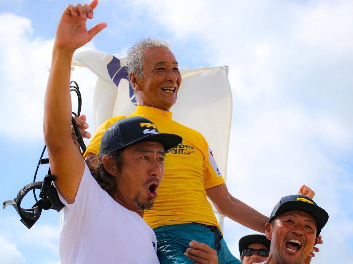 サーフィン日本一最高齢記録、山崎市朗さん71歳 三重・志摩で全日本選手権(写真提供=日本サーフィン連盟)