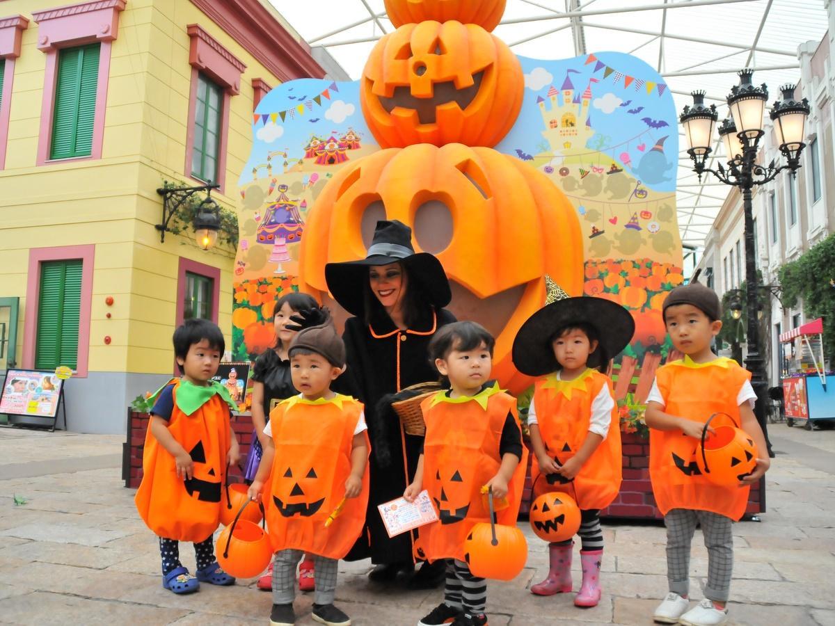 志摩スペイン村で「ハロウィーンフィエスタ」 仮装来園者に特典も
