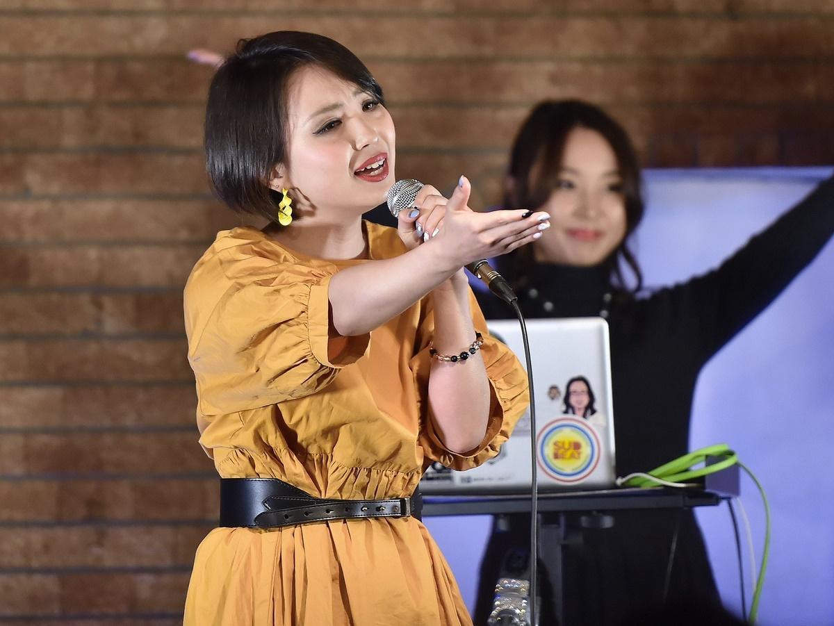 伊勢で音楽家長岡成貢さんプロデュースの歌手・青山みつ紀さんライブ