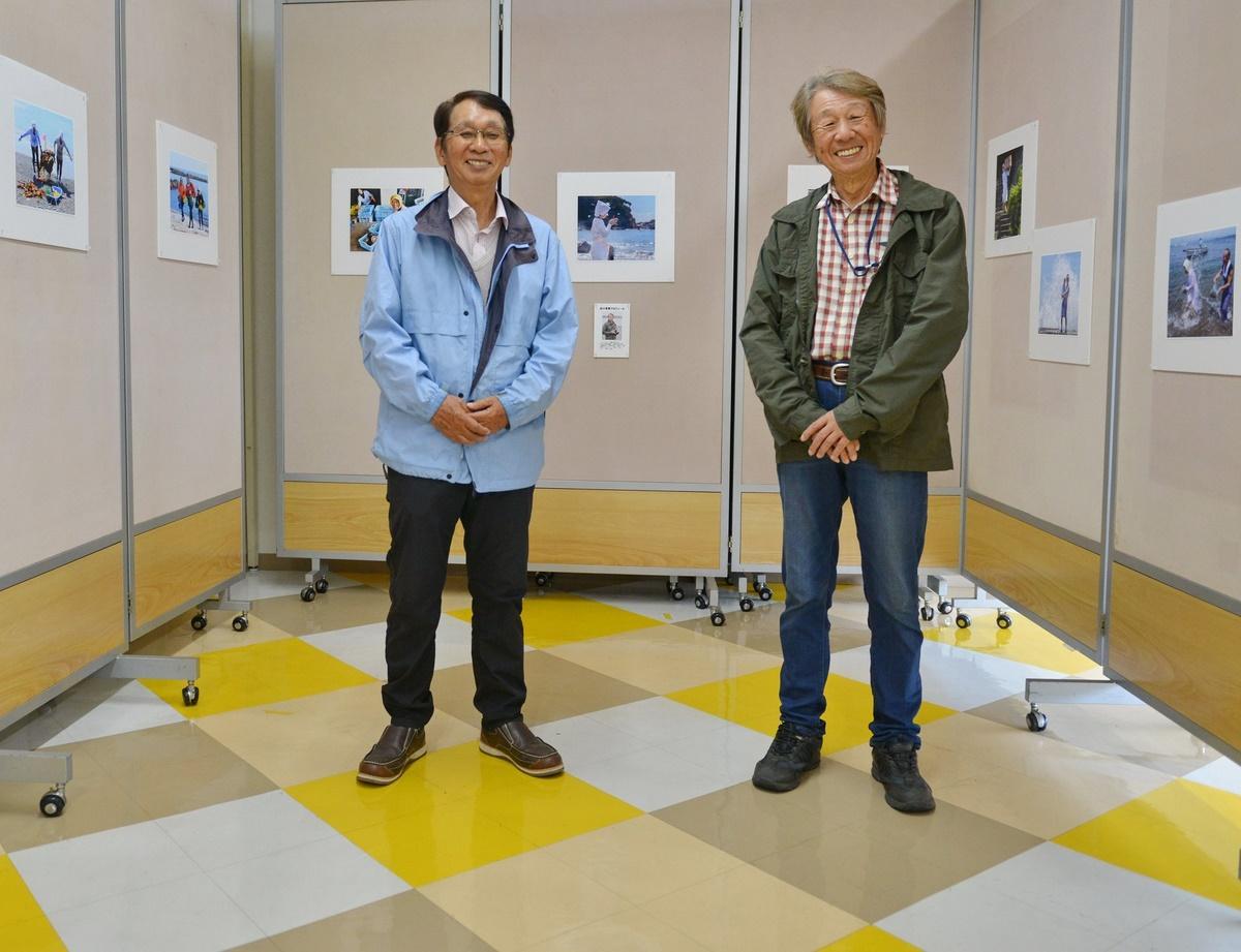 志摩市在住の山本幸平さんと出口芳男さんが海女の写真展 鳥羽一番街で