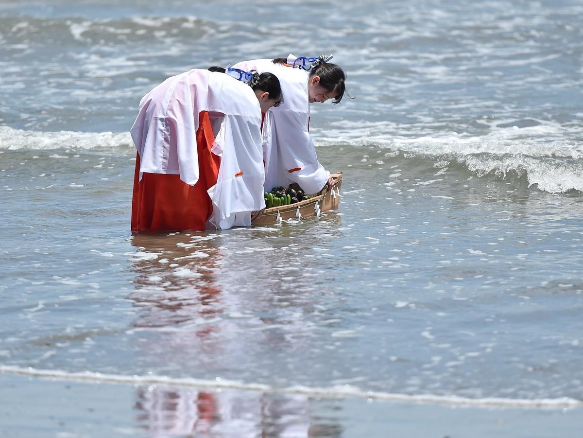 伊勢・二見興玉神社の竜宮社で「郷中施」 津波の教訓いつまでも忘れないように