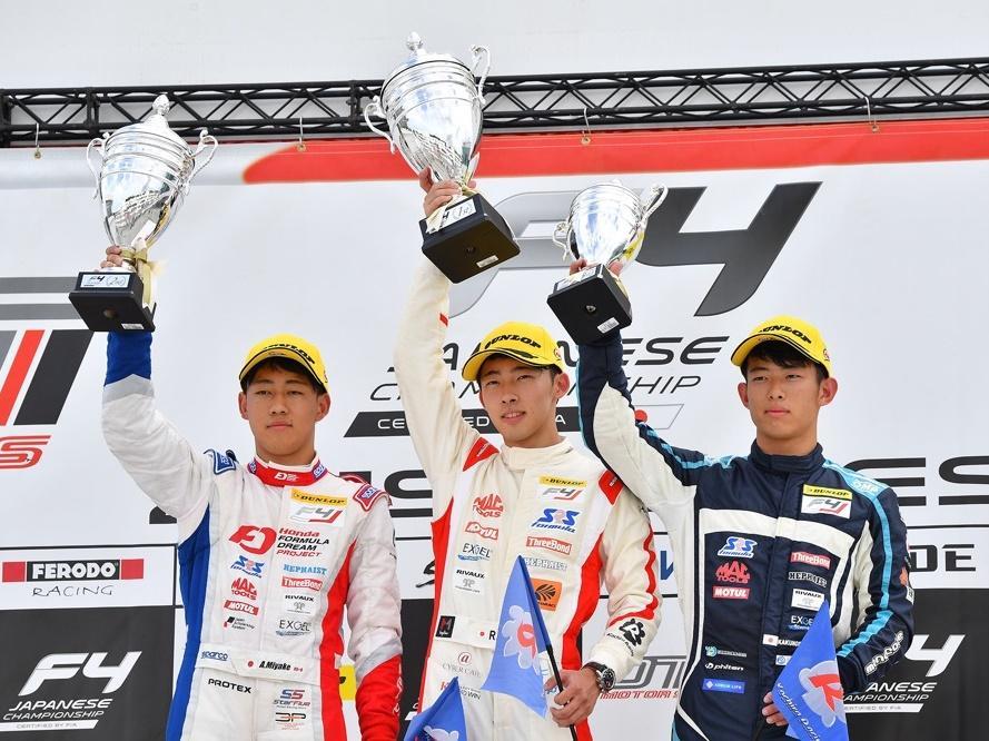 伊勢市出身の三宅淳詞選手、FIA-F4レース 大分オートポリス9・10戦2位 (C)fiaf4.jp