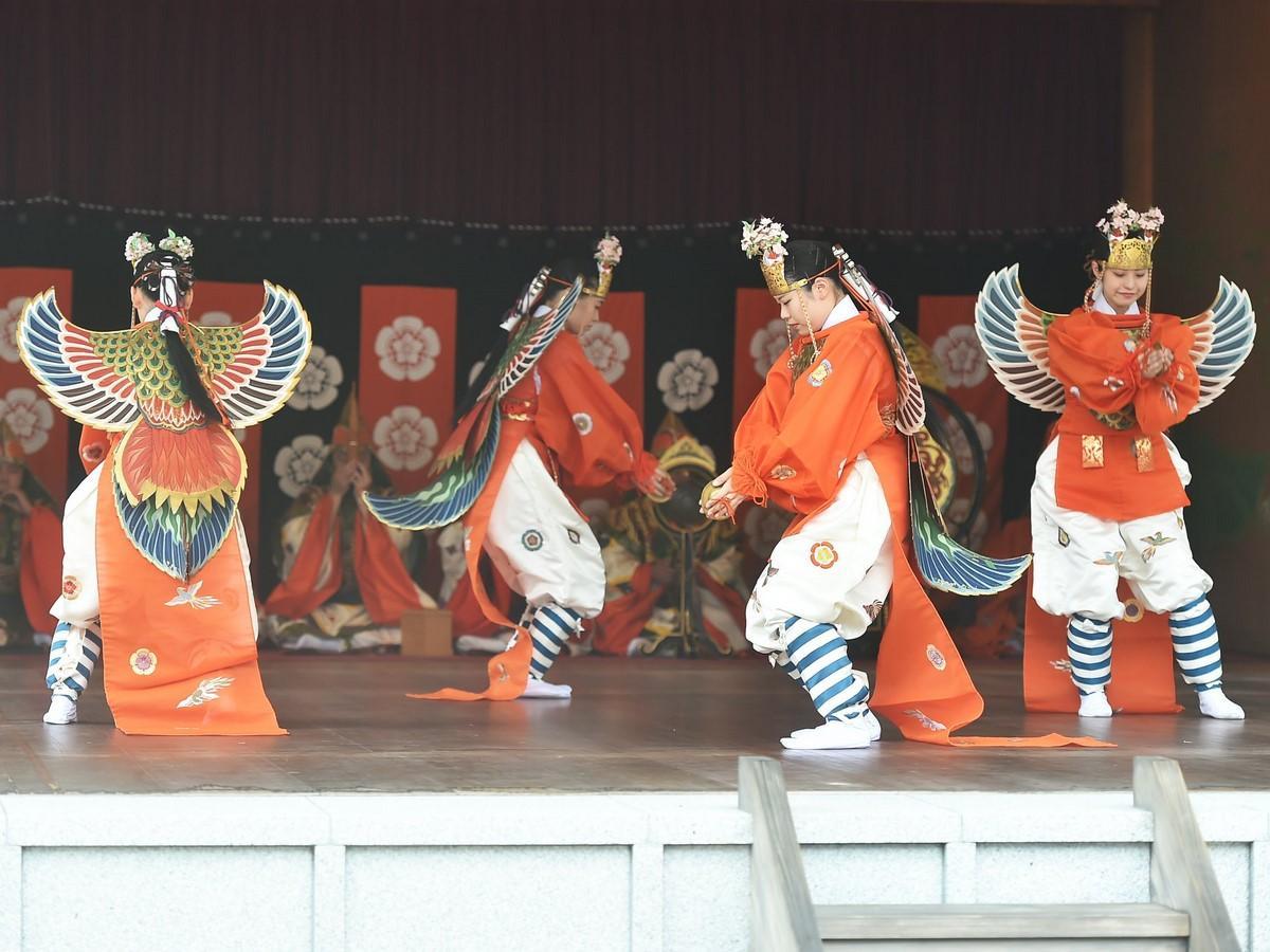 伊勢神宮で「秋の神楽祭」 古の時代から伝わる雅楽の調べ神域に