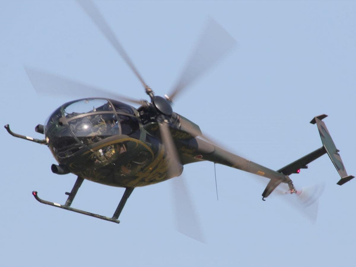 「空飛ぶタマゴ」OH-6D最後のフライト 陸自明野駐屯地・航空学校「航空祭」
