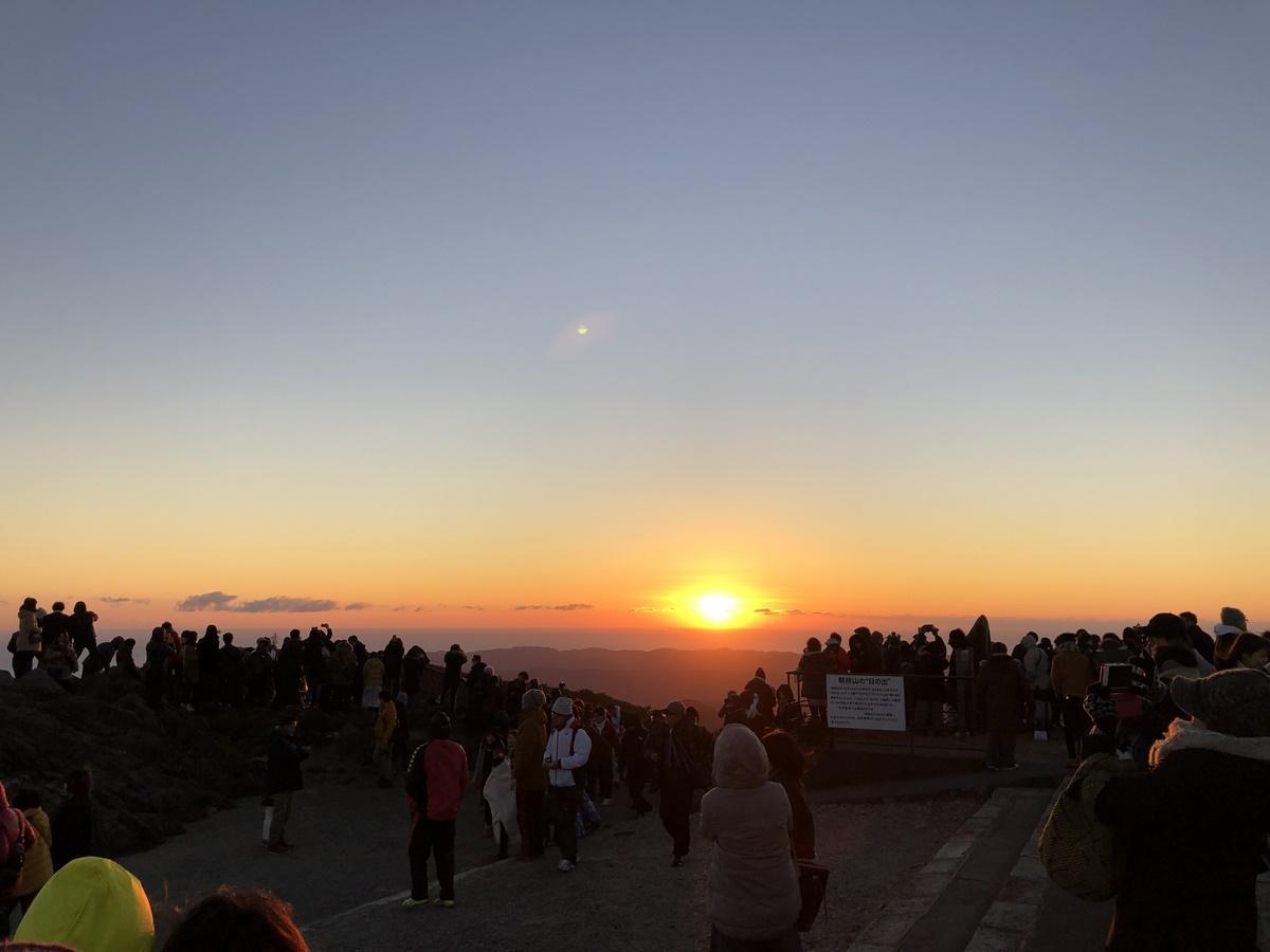 令和最初の元日に、伊勢志摩から初富士と初日の出を同時に見ることができるスポット (写真は2019年1月1日)